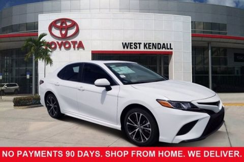 New 2019 Toyota Camry SE FWD 4D Sedan | Miami, FL