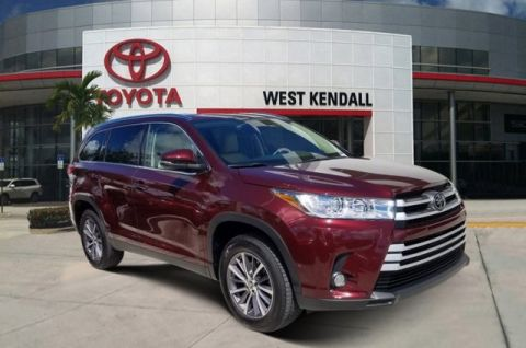 Pre-Owned 2019 Toyota Highlander XLE FWD 4D Sport Utility