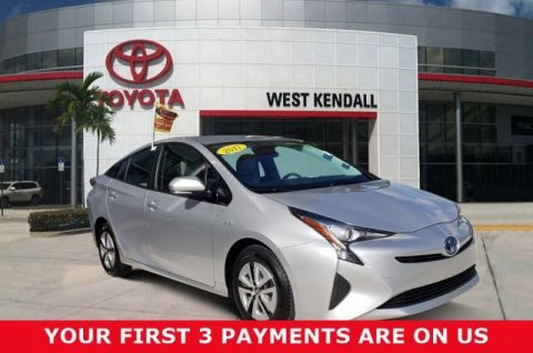 Certified Pre-Owned 2017 Toyota Prius Two FWD 5D Hatchback | Miami, FL