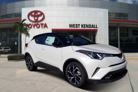 New 2019 Toyota C-HR XLE FWD 4D Sport Utility